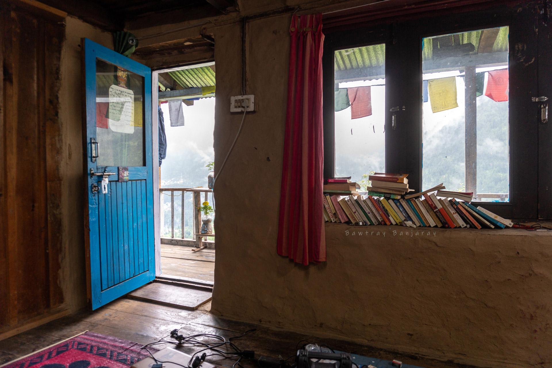 Library at Manali Homestay