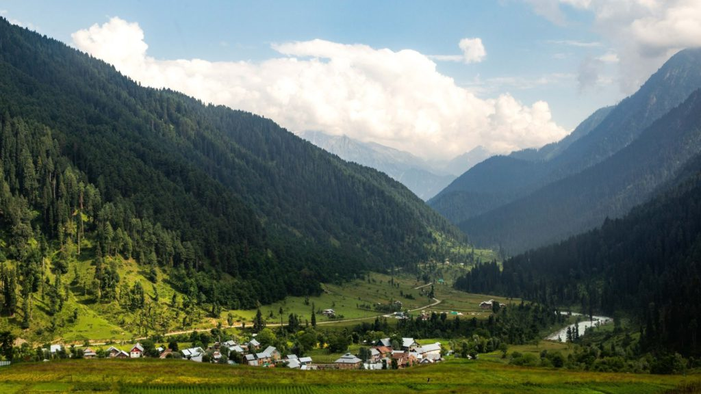 Aru is a small town in the Pahelgam District of Kashmir